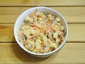 Салат с корейской морковкой и фасолью - фото шаг 5