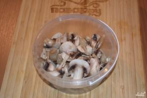 Картошка, тушенная с мясом и грибами - фото шаг 2