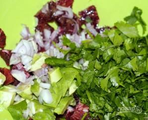 Салат с кальмарами и авокадо - фото шаг 6