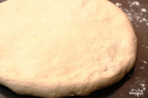 Фокачча с сыром и базиликом - фото шаг 7