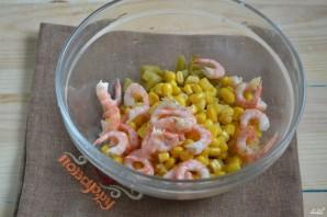 Салат с креветками и икрой - фото шаг 3