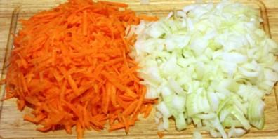 Кабачки с картошкой тушеные - фото шаг 3