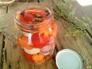 Помидоры с морковкой и луком - фото шаг 3