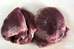 Тушеное сердце с картошкой - фото шаг 1
