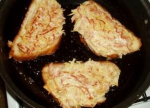 Бутерброды с колбасой и картошкой - фото шаг 8
