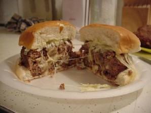 Гигантский швейцарский бургер с грибами - фото шаг 20