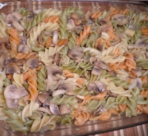 Макароны с фаршем и грибами - фото шаг 4