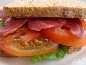 Сандвич с индейкой, листовым салатом и помидором - фото шаг 5