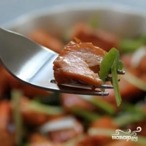 Салат с жареным лососем - фото шаг 3