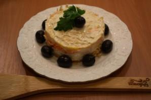 Салат слоеный с сыром - фото шаг 6