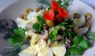Салат картофельный с сельдью - фото шаг 4