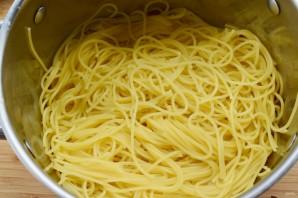 "Спагетти ""Карбонара"" с красным луком - фото шаг 2"