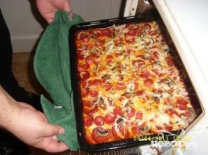 Домашняя пицца с колбасой - фото шаг 20
