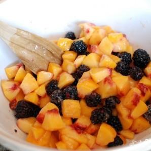 Десерт из персиков и ежевики - фото шаг 4