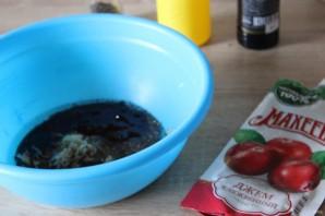 """Запеченные куриные окорочка в маринаде с клюквенным джемом """"Махеевъ"""" - фото шаг 2"""