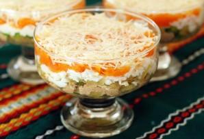 Салат из печени трески слоеный - фото шаг 9