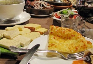 Хачапури с сыром и яйцом - фото шаг 6