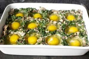 Яйца, запеченные с грибами и шпинатом - фото шаг 6