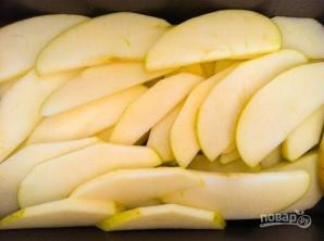 Яблоко под хрустящей корочкой - фото шаг 1