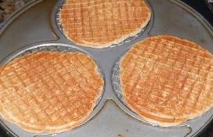 Голландские вафли с карамелью - фото шаг 6