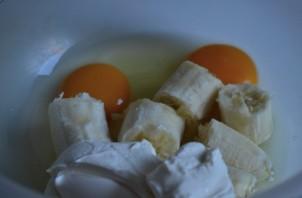 Банановые блины - фото шаг 1