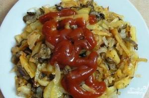 Жареная картошка с вешенками в мультиварке - фото шаг 4