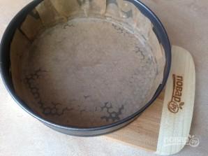 Бисквитный торт с вишней и творожным кремом - фото шаг 4