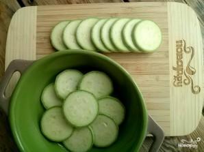 Кабачки с помидорами и чесноком - фото шаг 1