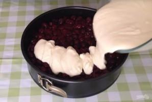 Бисквитный торт с вишневой начинкой - фото шаг 7