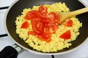 Яичница с сыром фета - фото шаг 6