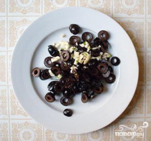 Греческий салат на Новый год - фото шаг 4