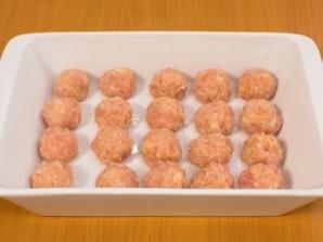 Куриные биточки в сливочном соусе - фото шаг 3