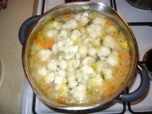 Суп с цветной капустой и горошком - фото шаг 2