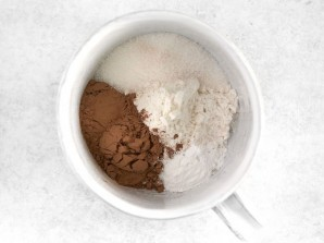 Шоколадный десерт в чашке - фото шаг 1