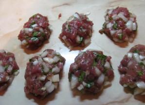 Вкусные котлеты из говядины - фото шаг 6