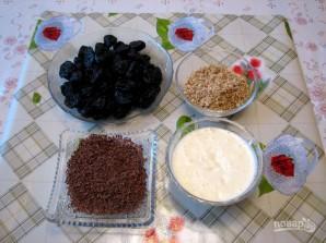 Чернослив с грецким орехом в сметане - фото шаг 2