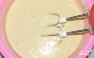 Пирог на кефире с яблоками - фото шаг 4