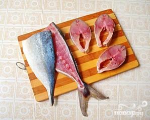 Рыбные стейки на листьях пража - фото шаг 1