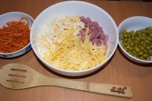 """Салат """"Восторг"""" с корейской морковкой - фото шаг 6"""