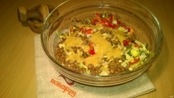 Салат из зеленой чечевицы диетический - фото шаг 4