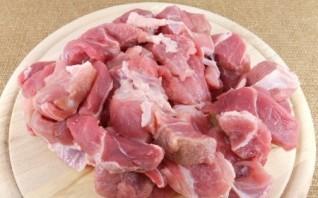 Тушеная свинина с подливкой  - фото шаг 1
