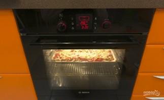 Пицца на противне в духовке - фото шаг 5