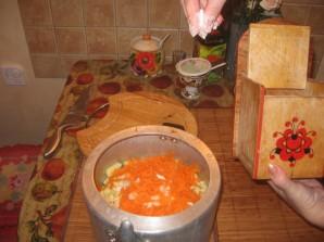 Курица с картошкой в скороварке - фото шаг 6