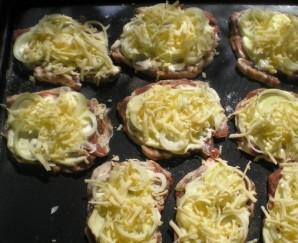 Мясо в духовке с сыром - фото шаг 4