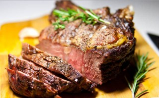 Мясо кусочками в фольге в духовке - фото шаг 4