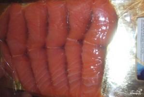 Бутерброды-шайбы с красной рыбой - фото шаг 3