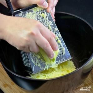 Кабачковые оладьи с козьим сыром - фото шаг 2