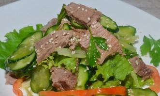 Салат из говядины с огурцом - фото шаг 4
