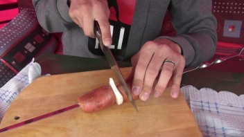 Шашлык из картофеля с салом - фото шаг 4
