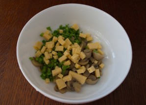 Салат с шампиньонами и сыром - фото шаг 3
